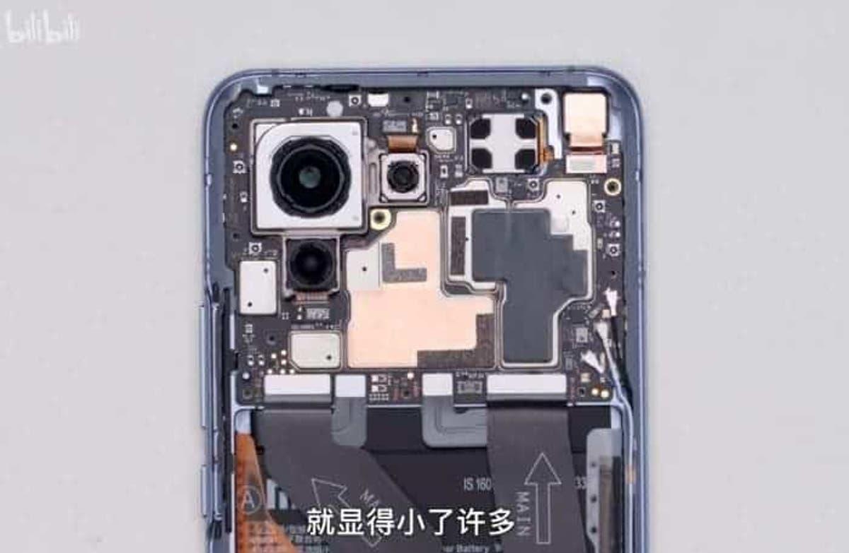 Xiaomi Mi 11 teardown - see the internals of this smartphone -