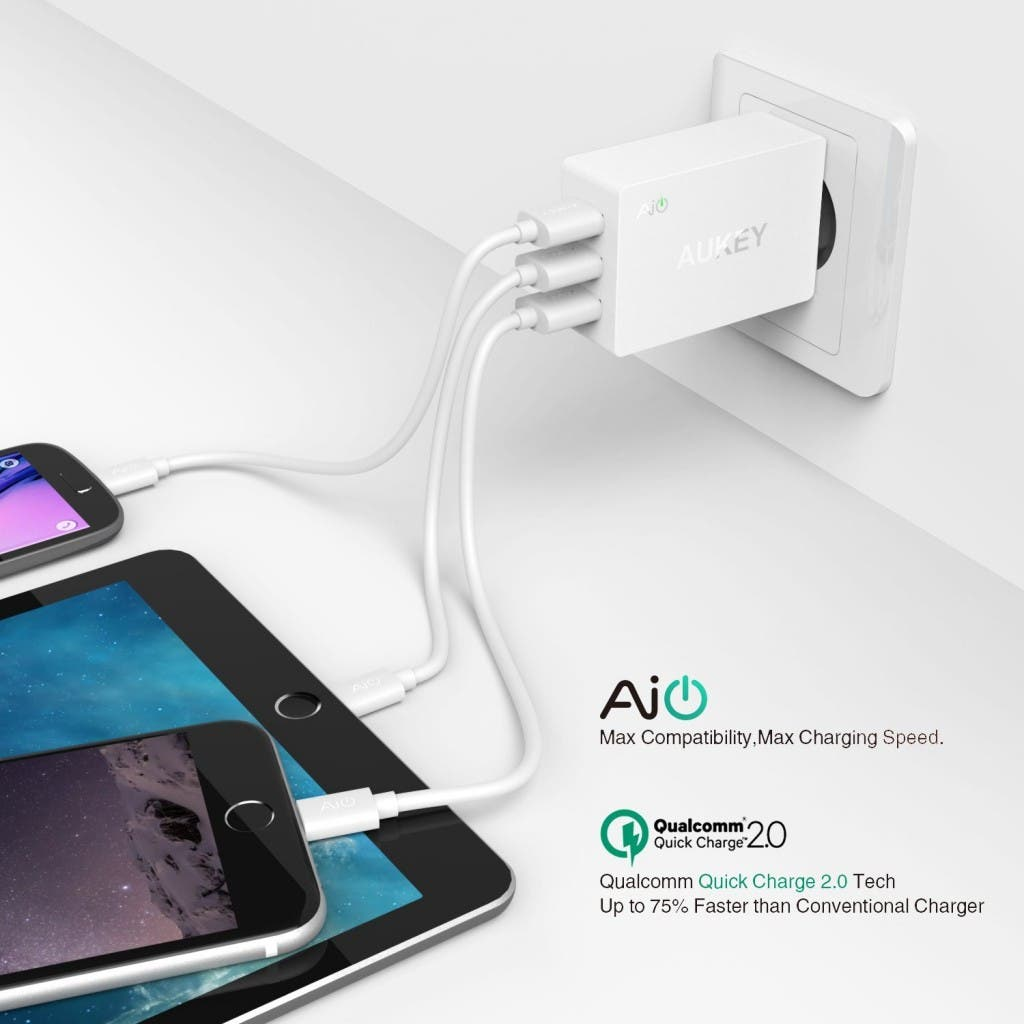 Aukey USB Turbo Charger Cargador Fast 2.0 42W Qualcomm Carga Rapid 2 Puerto AIPower 5V  4.8A 1 Puerto Quick Charge 2.0 12V  1.5A 9V  2A 5V  2A Incluye un 20AWG 3.3FT Micro USB Cable Blanco
