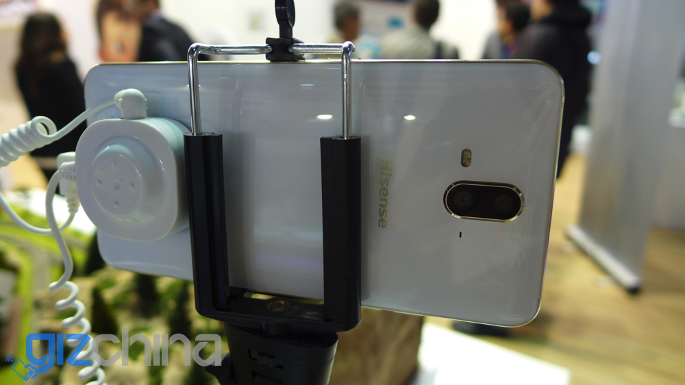 hisense hs a1 dual camera phone