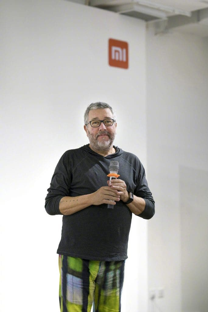 philippe starck visits xiaomi 39 s hq get ready for the new. Black Bedroom Furniture Sets. Home Design Ideas