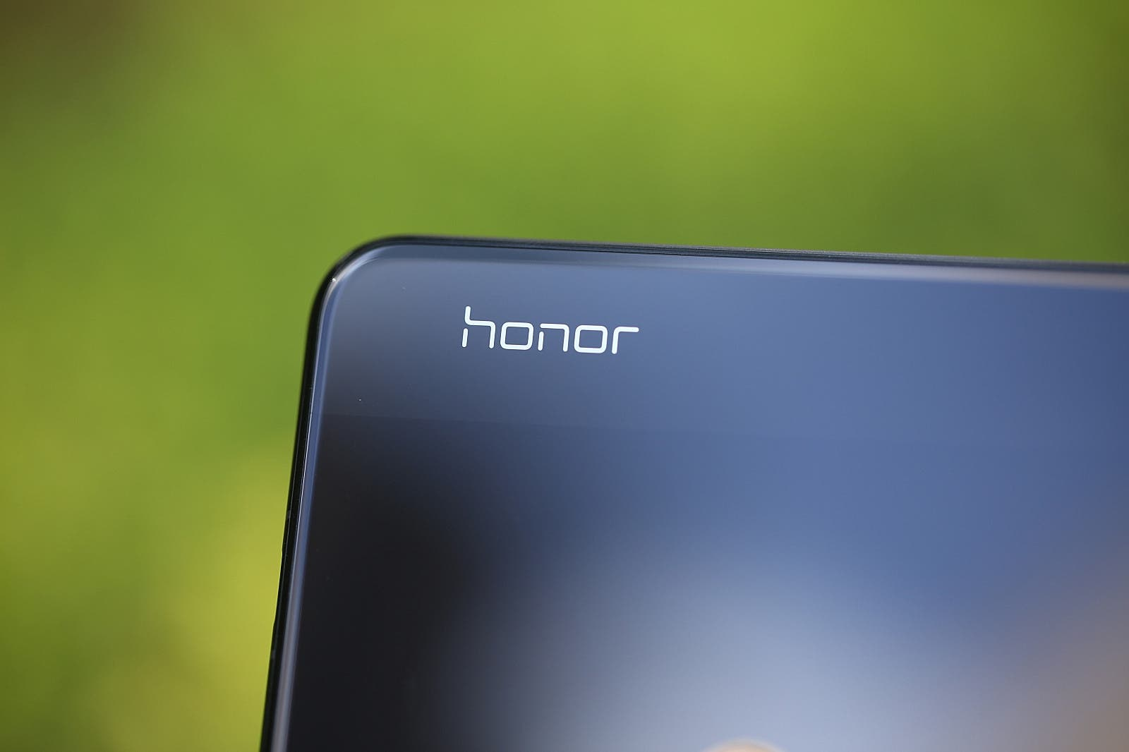 Honor V30 40W fast charging
