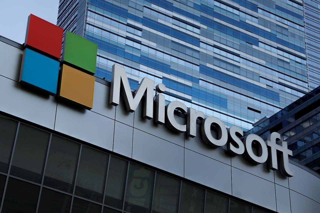 Microsoft gets U.S.  licence to sell software to Huawei