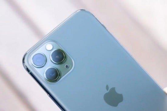 5G iPhones