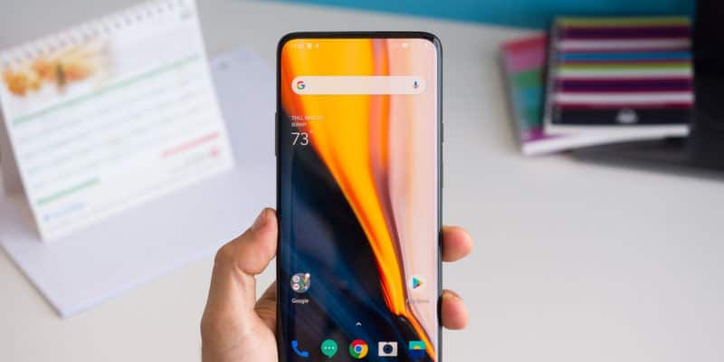 OnePlus 8 Pro first live images leaked online sporting punch-hole design - Gizchina.com