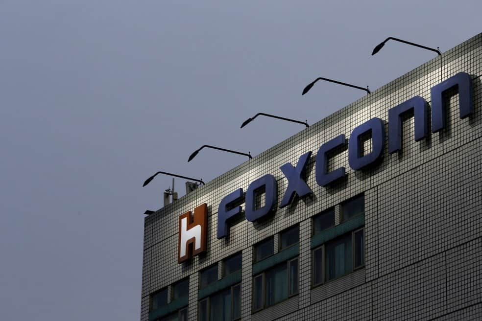 Foxconn resumes production, but slow iPhone sales are expected