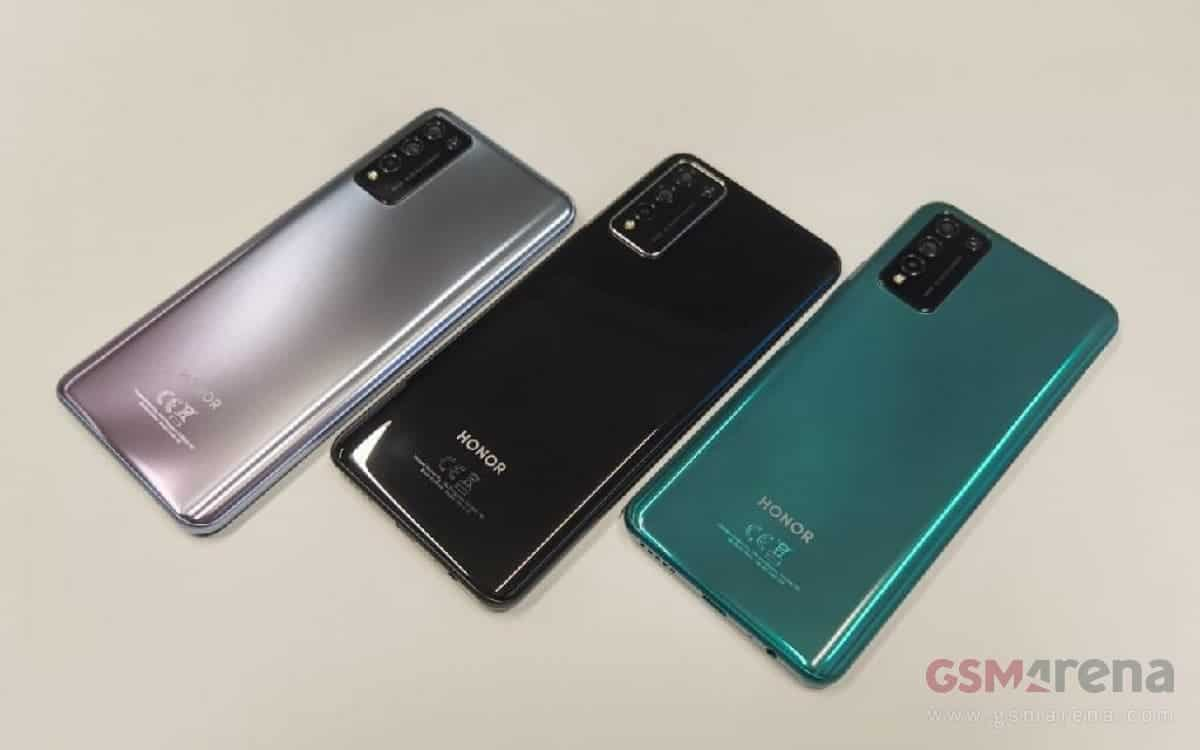 Huawei plans to divest budget phone unit Honor