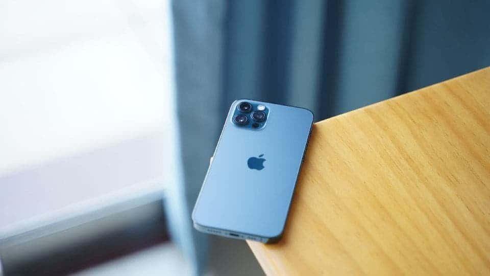 iphone 12 screen