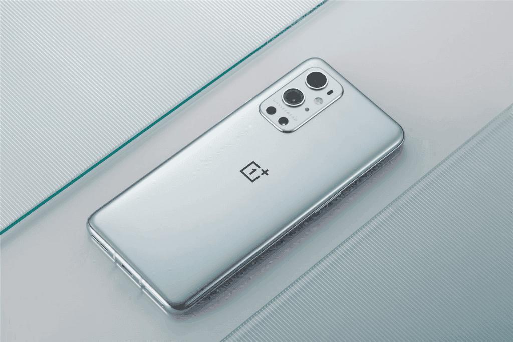 OnePlus 9 Pro smartphones for selfies