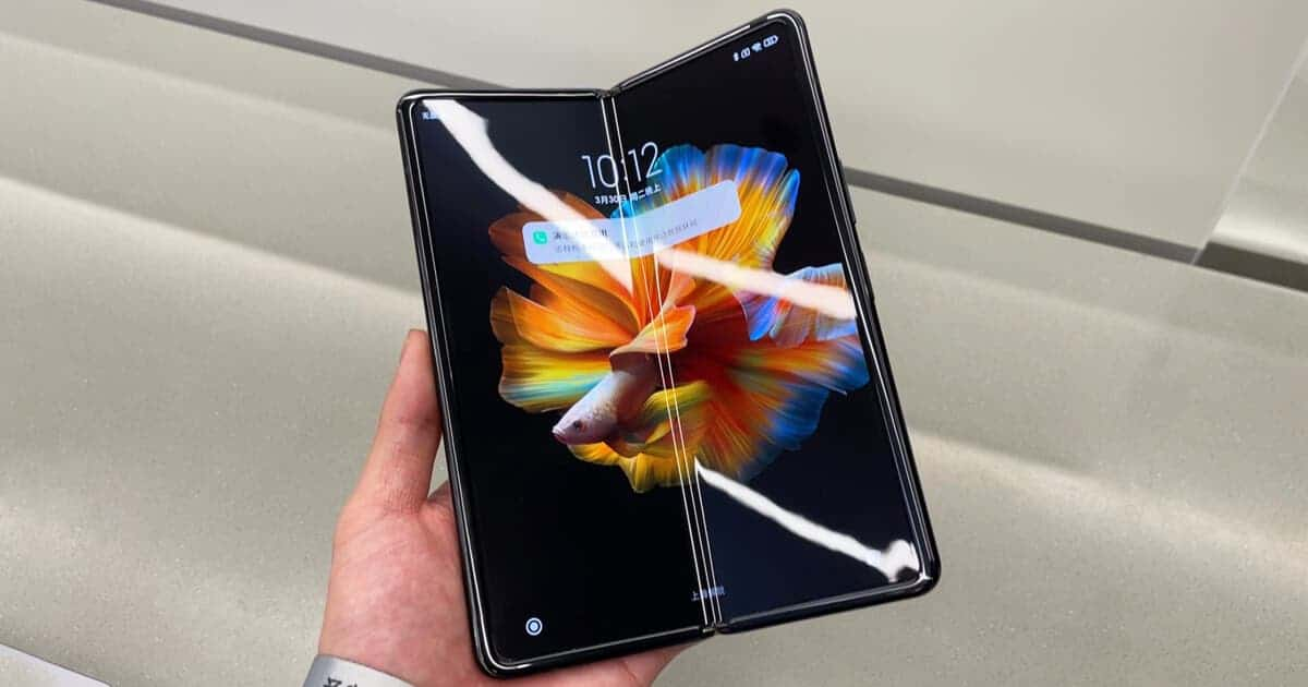 Xiaomi Mi MIX Fold survives a vigorous 400,000 times bending test - can  last for 10 years - Gizchina.com