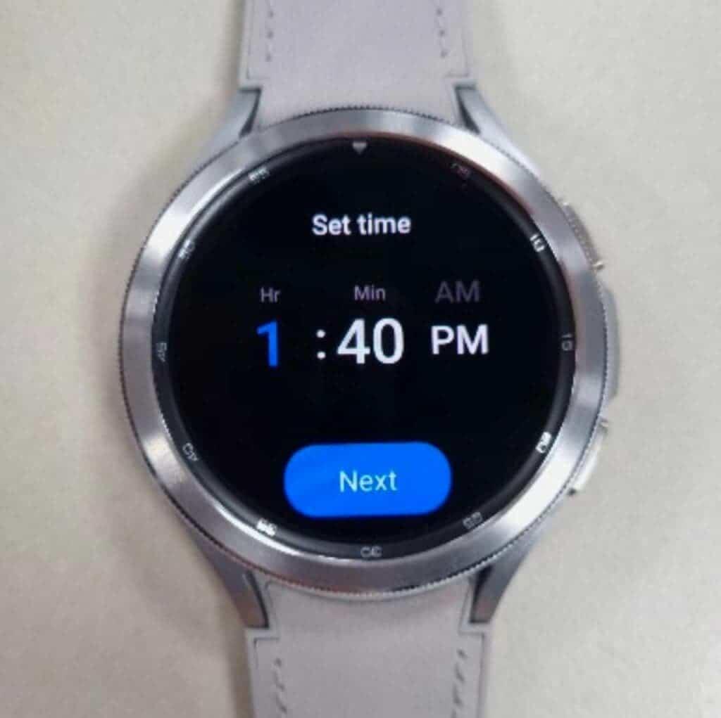 Samsung Galaxy Watch4 Classic Design Live Image_1
