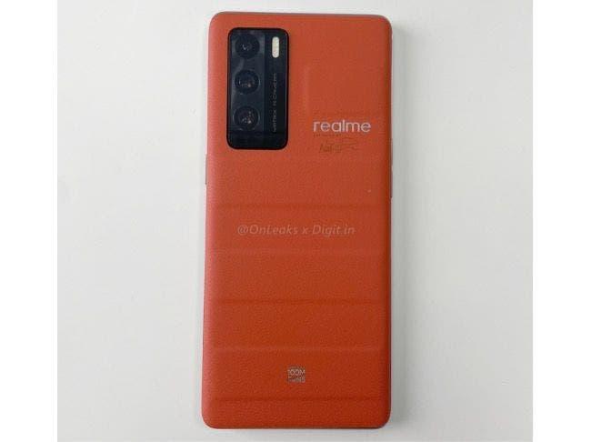 Realme GT Master Explorer Edition Suitcase Orange_1