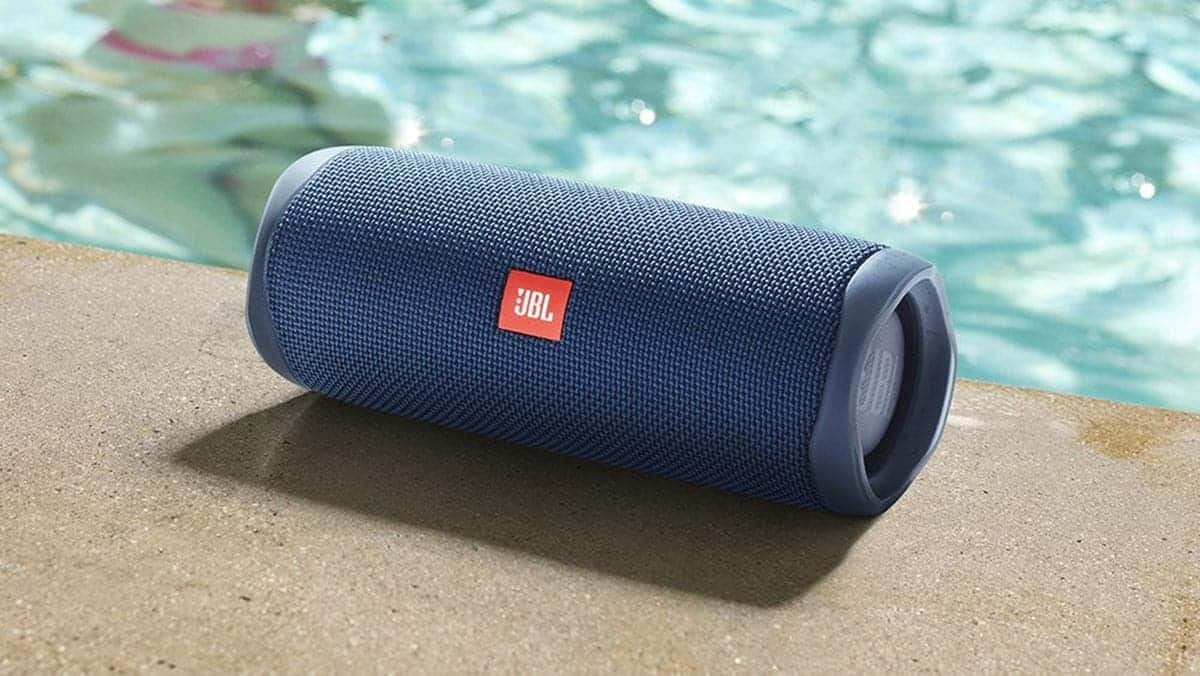 JBL Flip 6 Bluetooth Speaker