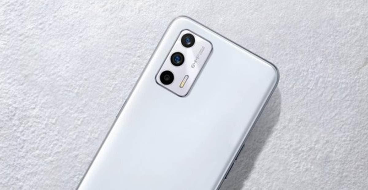Realme GT Neo2T Glaze White model
