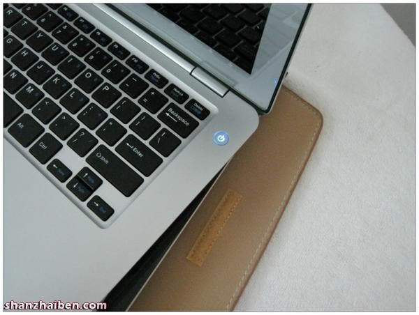 light up power button macbook pro