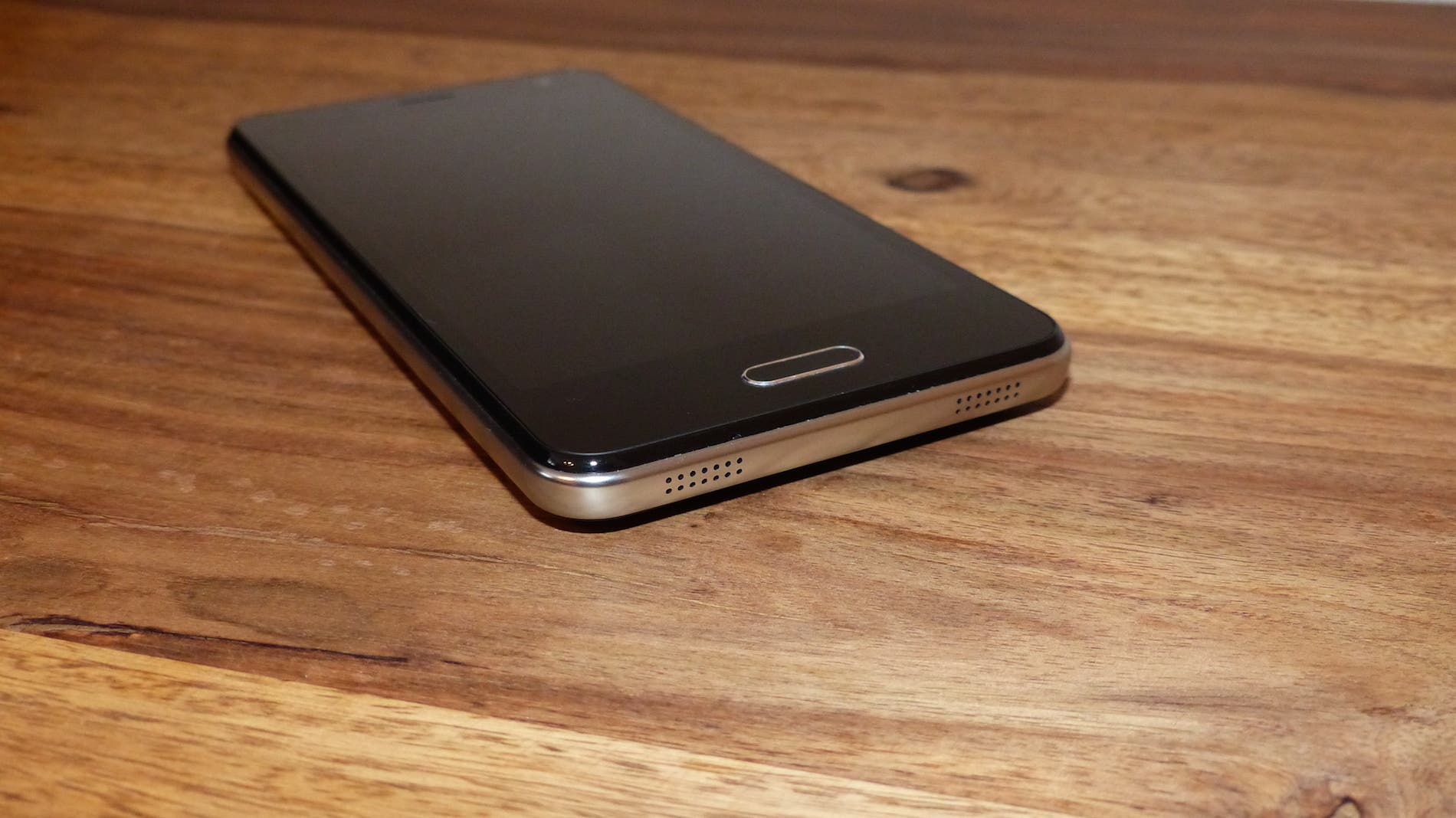 """Elephone P5000 """"Battery Monster"""" Review"""