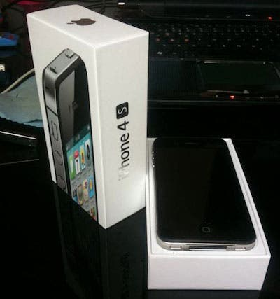 iphone 4s,unboxing,iphone 4s launch,new iphone,iphone 4s box,iphone 4s hands on