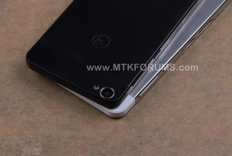 First look at the sleek & sexy all-black JiaYu S2!