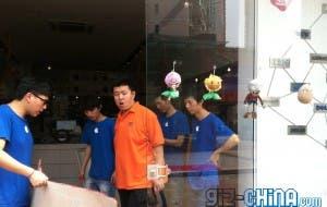 fake apple store employees
