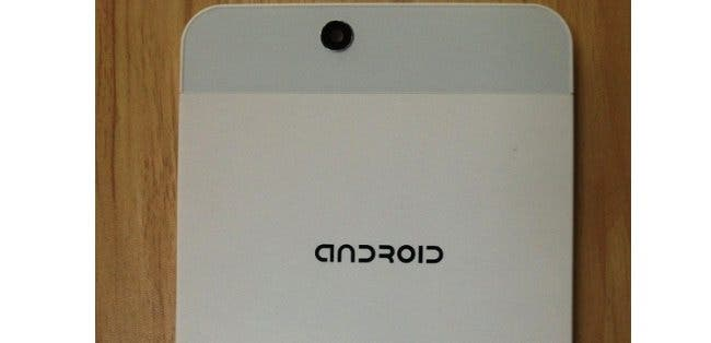 Knock off iPhone 5 inspired Android tablet looks tacky!