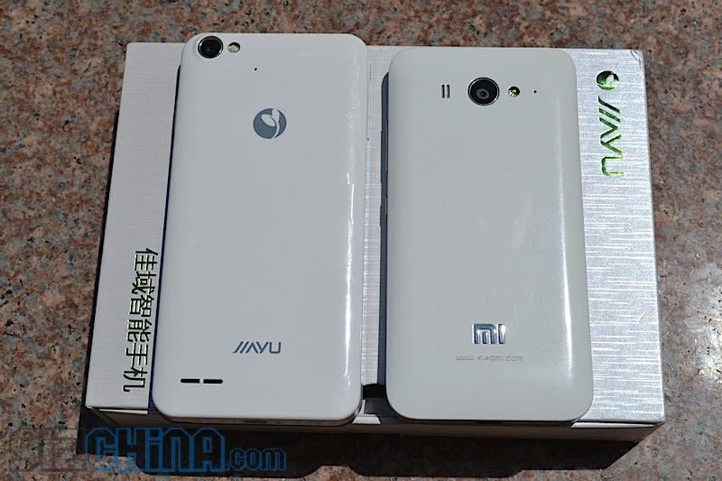 jiayu g4 next to Xiaomi mi2