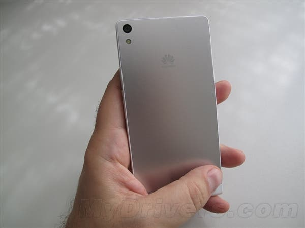 leaked huawei ascend p6 hands on 2 Leaked: Huawei Ascend P6 first hands on photos!