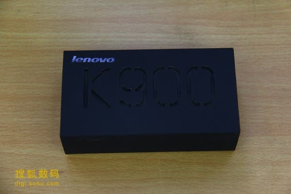 lenovo k900 unboxing 2 Lenovo K900 Unboxing and hands on photos