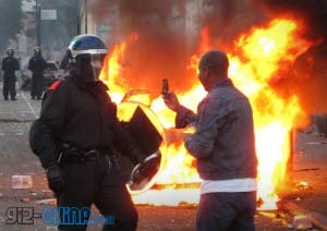 blackberry phones in london riot