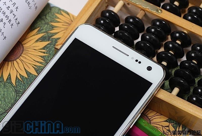 white neo n003