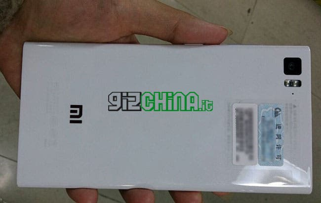 Hands on on photos with the white Xiaomi Mi3 - Gizchina com  Gizchina    Xiaomi Mi3 White