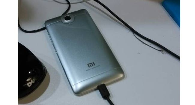 xiaomi mi3 rear spy photo